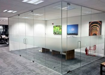 Vách ngăn cửa kính văn phòng đẹp